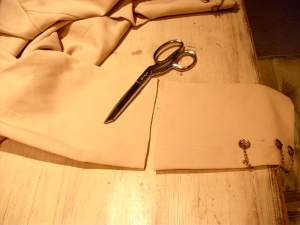 Sleeve cutting time!